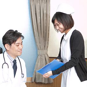 医師と恋愛する看護師のイメージ