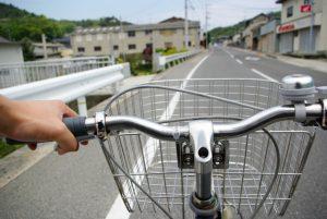 自転車スマホはやめましょう!